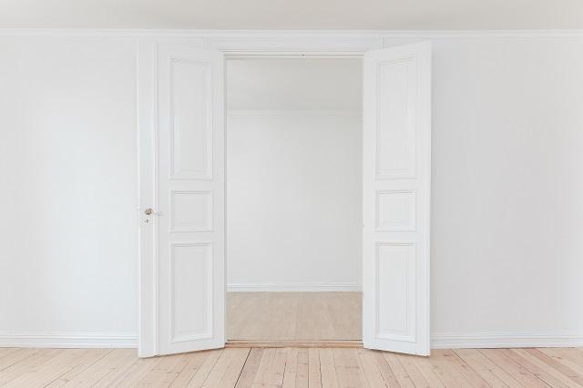 Otwarde drzwi dwuskrzydłowe